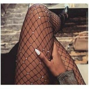 🔥NWT Scattered Diamond Fishnet Stockings